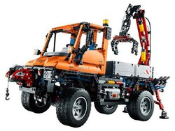 Set 8110 Mercedes-Benz Unimog